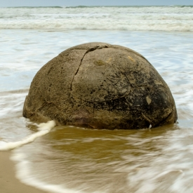 ©chris bone - moeraki boulders 1